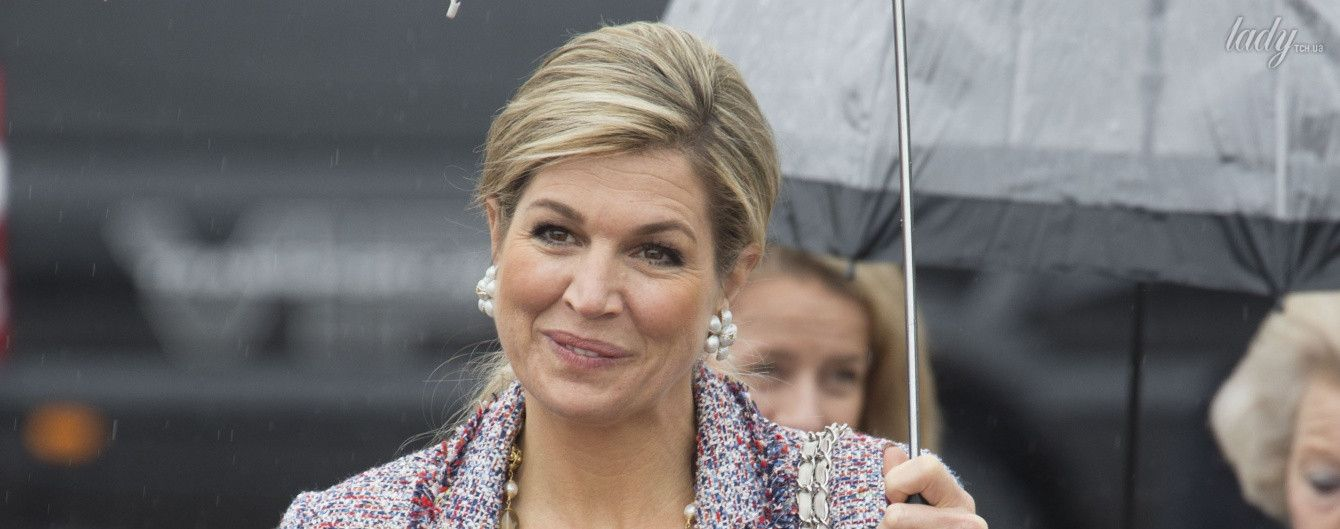 Думала, не догадаются: королева Максима к сумке Chanel подобрала жакет демократичного бренда