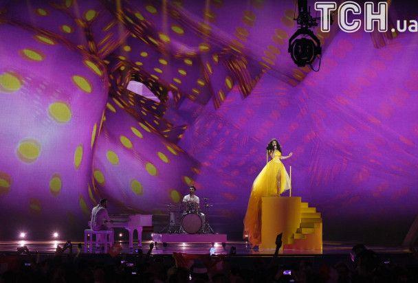 """Второй полуфинал """"Евровидения-2017"""" в фото: украинский колорит, йодль, воздушный шар и огромный месяц"""