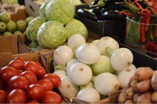 В Україні стрімко зростають ціни на овочі борщового набору