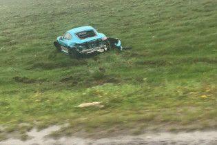 На Львовщине слетел с трассы спорткар Porsche
