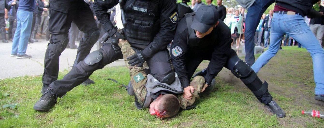 """Правоохоронці затримали очільника """"тітушок"""", які били АТОвтців у Дніпрі"""