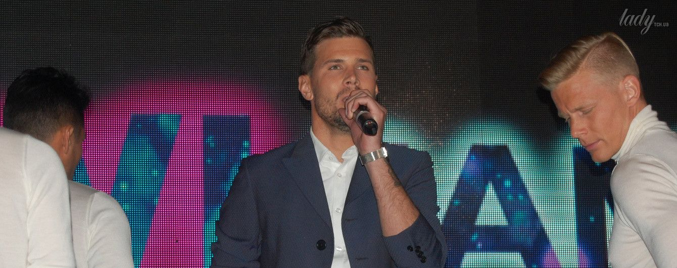 """Публика в восторге: конкурсант """"Евровидения"""" из Швеции покорил зрителей своим обаянием и харизмой"""