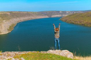 10 цікавих скель та каньйонів України, про які ви не знали