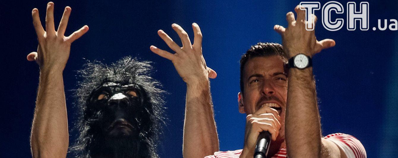"""Конференция финалистов """"Евровидения"""": итальянец Габбани пообещал в случае победы побрить свою обезьяну"""