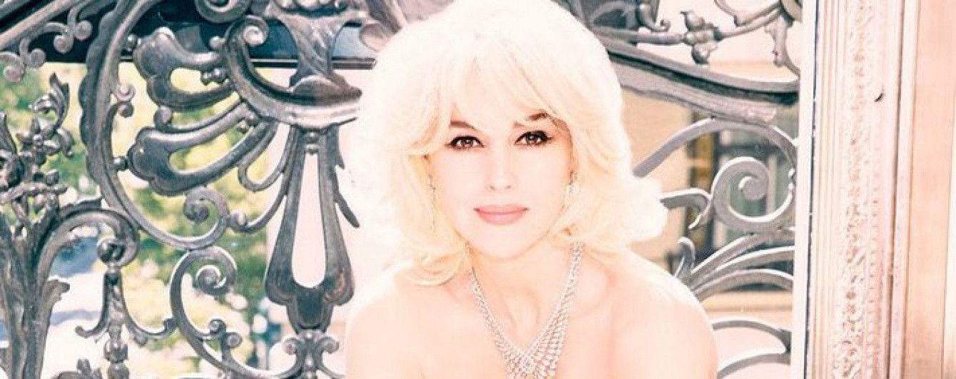 Сексуальная блондинка с красной помадой: Моника Беллуччи в новой глянцевой съемке