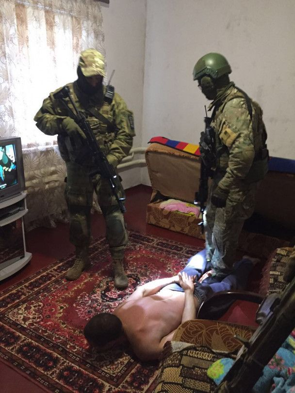 Изъяли гранаты и тротил: СБУ задержала торговцев оружием из района АТО