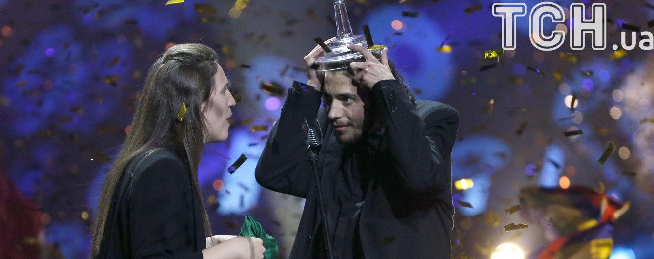 """Порошенко и Гройсман поздравили португальца с победой на """"Евровидении"""" и поблагодарили Украину за подготовку"""