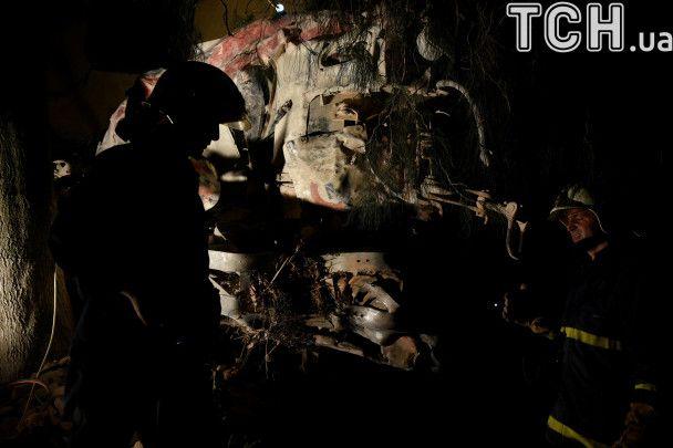 """""""Мы услышали страшный взрыв: в Греции пассажирский поезд сошел с рельсов и врезался в дом"""