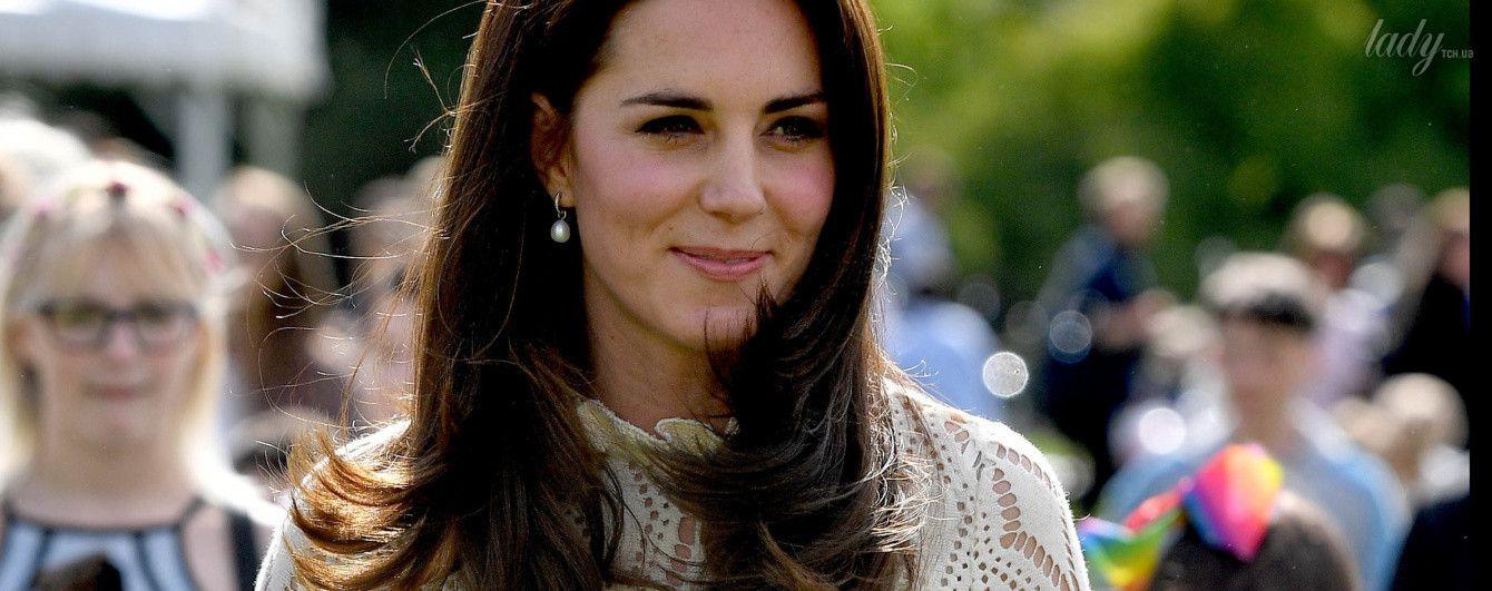 Опять повторилась: герцогиня Кембриджская надела на детский праздник знакомое платье