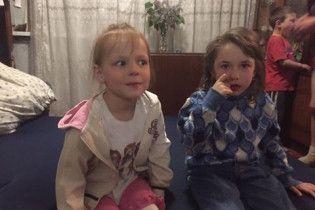 Эхо трагедии в Авдеевке: 6-часовая операция для взрослого и будущее двух осиротевших девочек