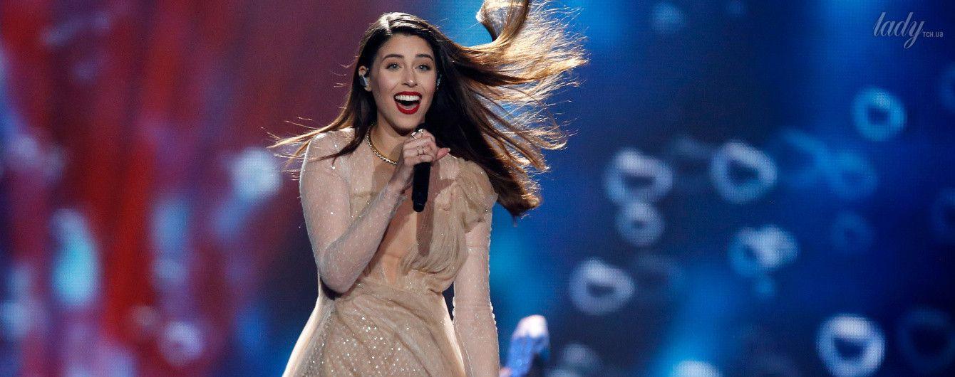 """Без бюстгальтера: представительница Греции на """"Евровидении"""" вышла на сцену в прозрачном платье"""