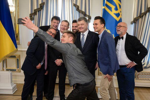 """Глава """"Евровидения"""" на встрече с Порошенко похвалил Украину за безупречное проведение конкурса"""