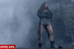 Энергичная Руслана в кольчуге представила зрелищный клип, снятый в уникальном месте