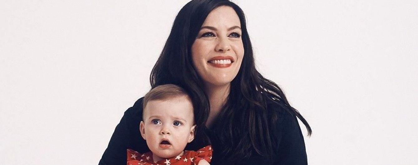 Впервые на съемках: Лив Тайлер с дочерью и сыном позировали для рекламной кампании Gap