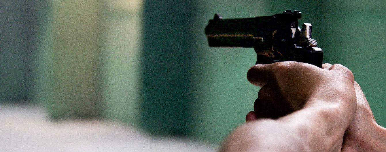 Біля спортклубу в Києві сталася кривава бійка зі стріляниною, є потерпілі