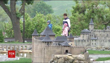 Найвідоміші замки України відтворили в мініатюрі у Кам'янці-Подільському