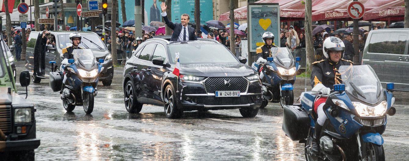 Поддержка отечественного автопрома: президент Франции выбрал кроссовер DS 7 Crossback