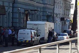 """Минфин пожаловался на """"подозрительный фургон"""" возле здания ведомства"""