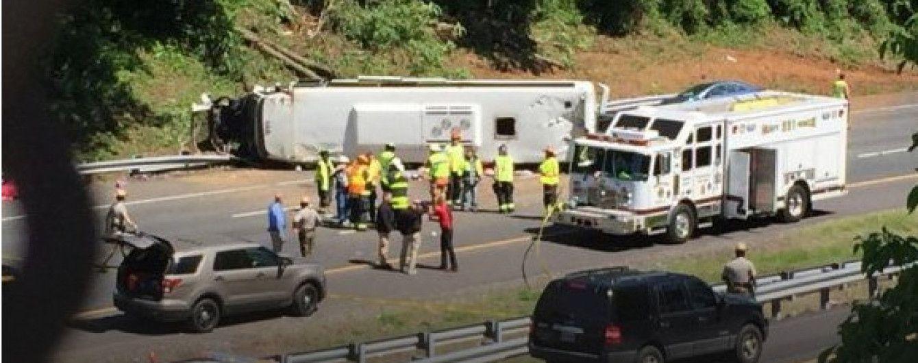 В США автобус с детьми попал в ДТП, есть раненые