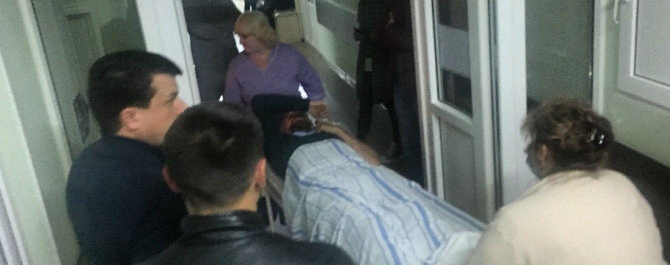 В Николаеве неизвестные жестоко избили депутата горсовета, мужчине наложили 20 швов на лицо