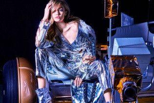"""Как всегда, неподражаема: Джиджи Хадид в новой """"космической"""" фотосессии"""