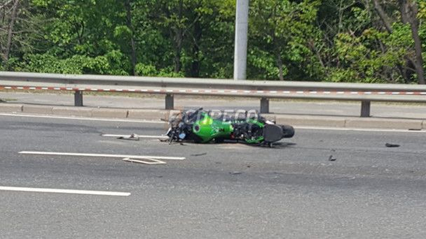 В центре Киева насмерть разбился мотоциклист