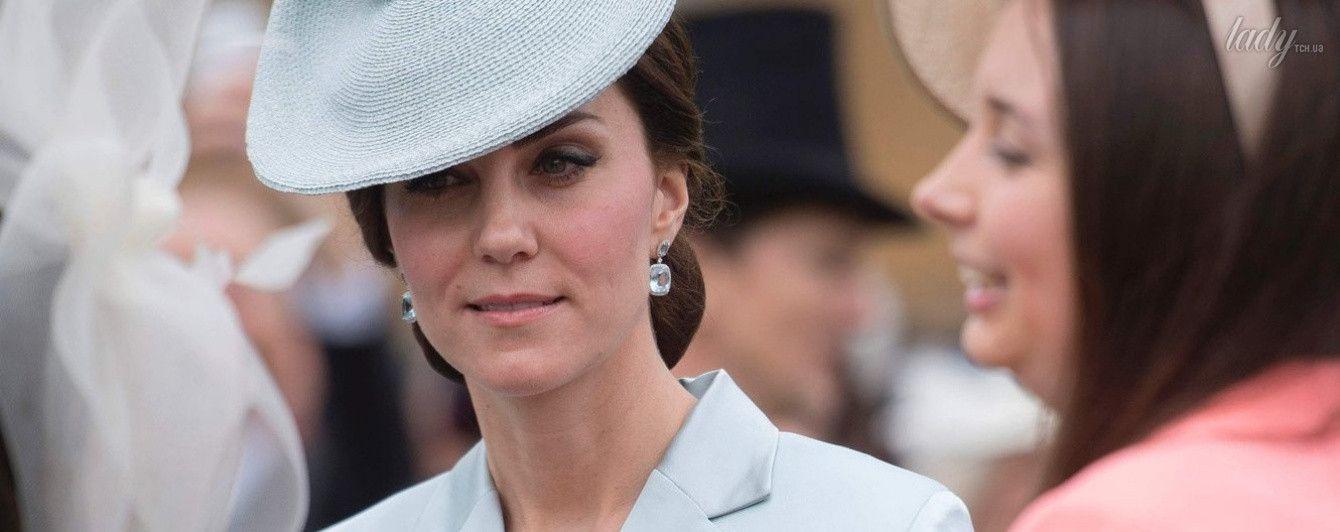В голубом пальто и красивой шляпе: светский выход герцогини Кембриджской