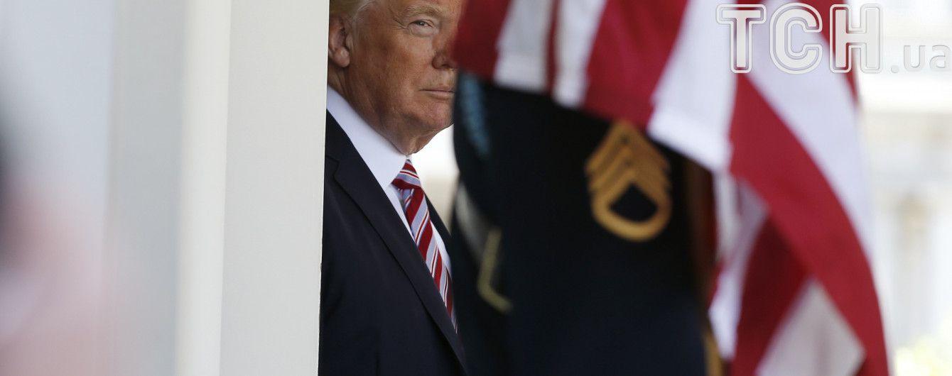 Почти 200 конгрессменов судятся с Трампа
