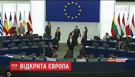 Во Франции подпишут документ, отменяющий визы в Европу для украинцев