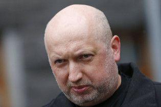 """Турчинов считает, что """"бревна в колеса"""" от Венгрии не помешают комиссии """"Украина-НАТО"""""""