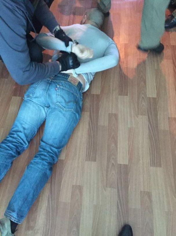 На Киевщине задержали подполковника полиции на получении взятки