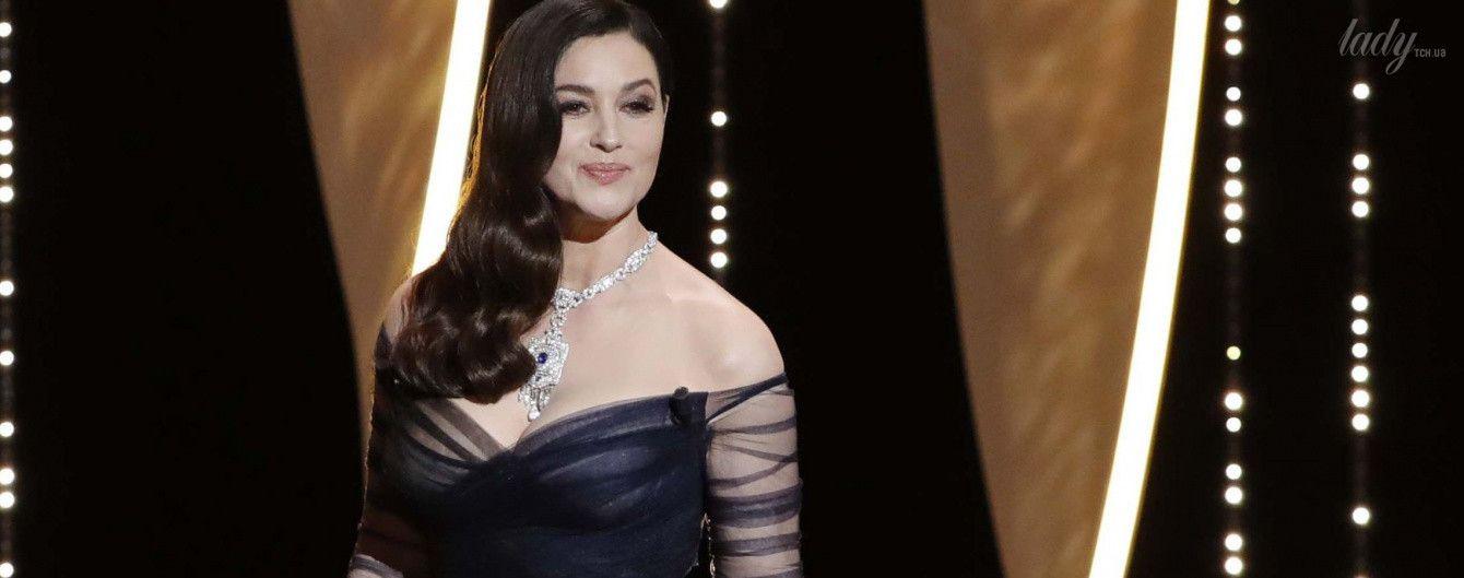 В пышном платье и с бриллиантами на шее: Моника Беллуччи на открытии Каннского кинофестиваля