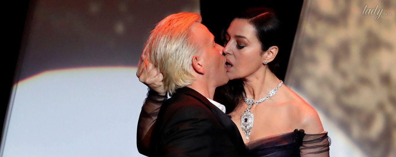 Страстная Моника: Беллуччи устроила жаркие поцелуи с молодым актером на Каннском кинофестивале