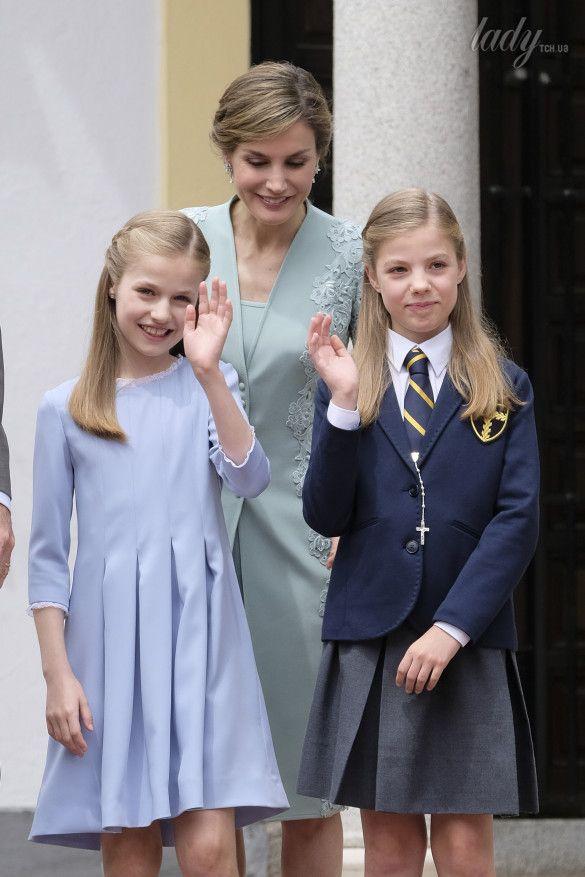 Королева Летиция с дочками_4