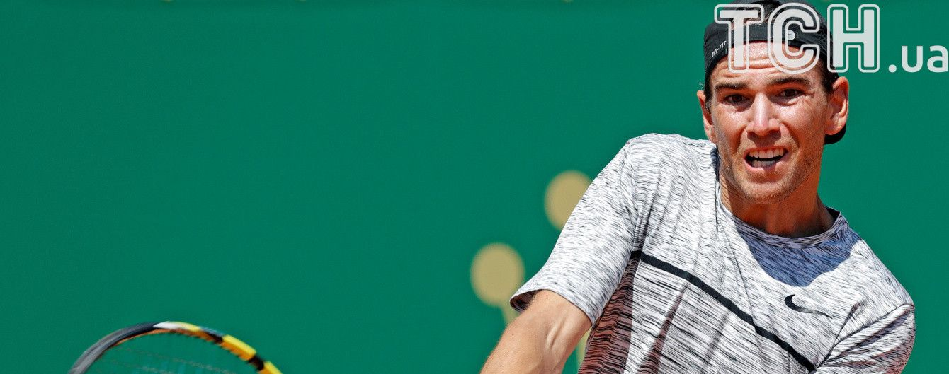 Мяч-бумеранг. Французский теннисист исполнил невероятный удар