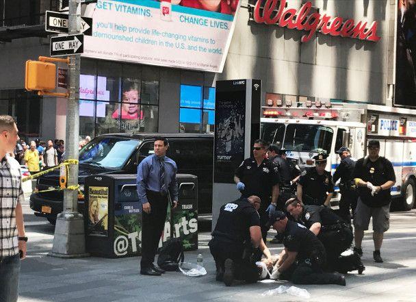Водителя, который въехал в толпу в Нью-Йорке, раньше задерживали за вождение в нетрезвом виде
