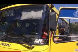 """На Ровенщине полицейские остановили переполненную маршрутку с водителем """"под кайфом"""""""