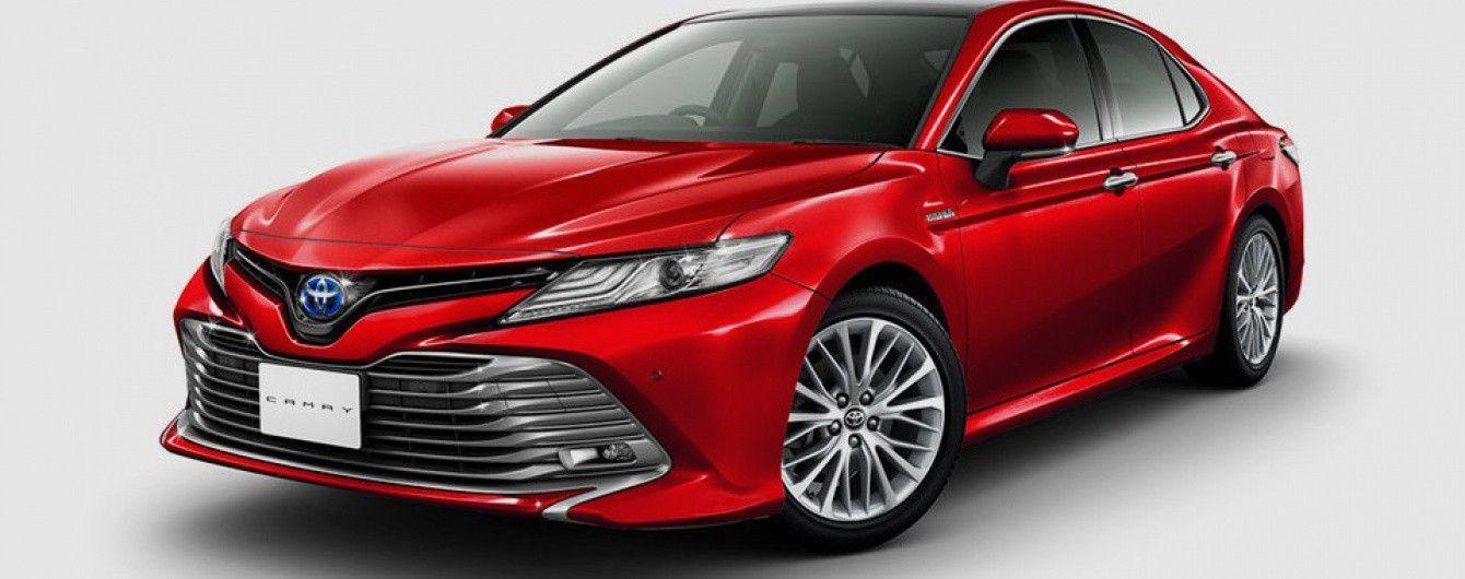 Toyota представила новую Camry для японского рынка
