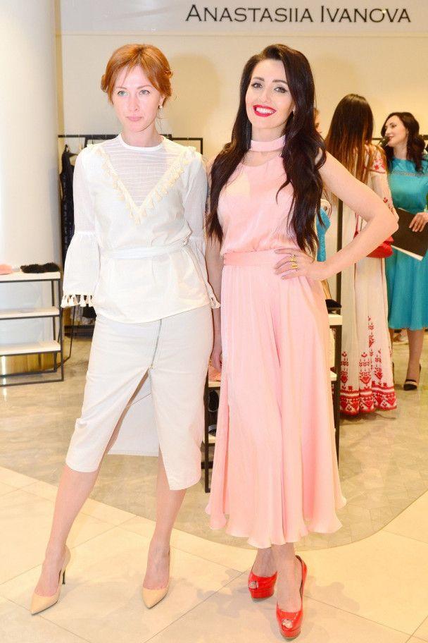 Вітвіцька та Добриднєва похизувалися елегантними сукнями на світському заході