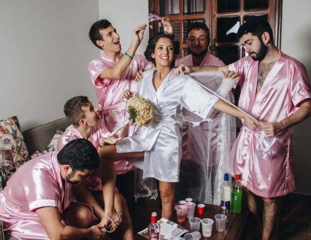 У Бразилії наречена влаштувала дівич-вечір з брутальними бороданями замість подружок