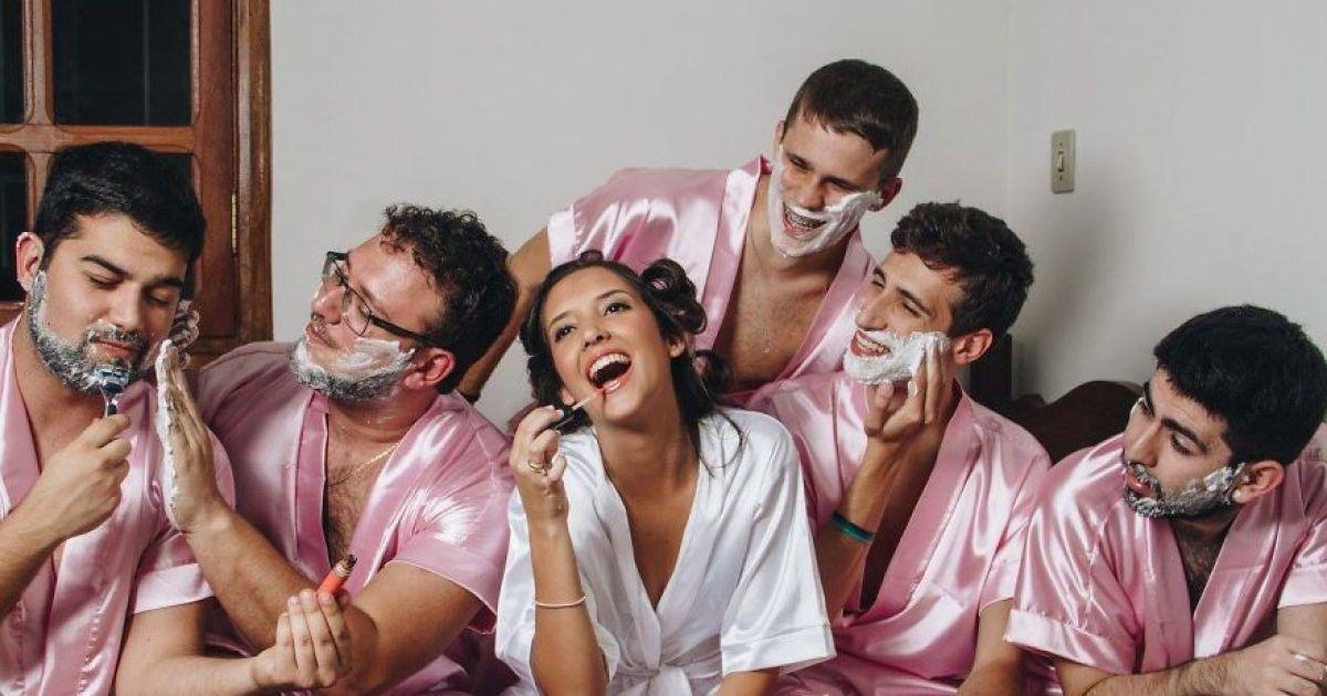 Хлопці голили ноги та танцювали у халатах. @ facebook.com/fernandoduquefoto