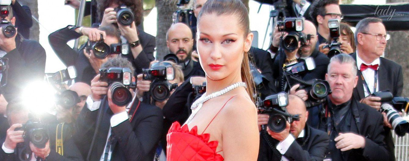 Белла Хадид блистает на дорожке в Каннах в эффектном наряде от Christian Dior