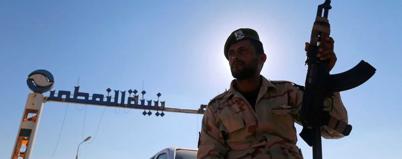 В Ливии в результате кровавого нападения на авиабазу погибли более 140 человек
