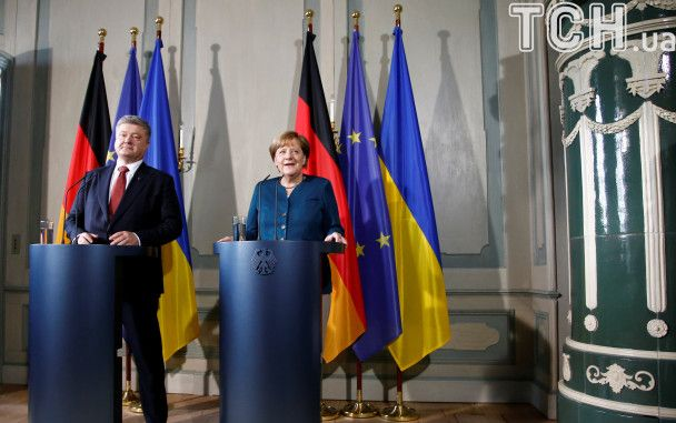 Порошенко в Німеччині зустрівся з Меркель