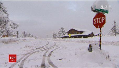 Американський штат Колорадо паралізували півметрові кучугури снігу