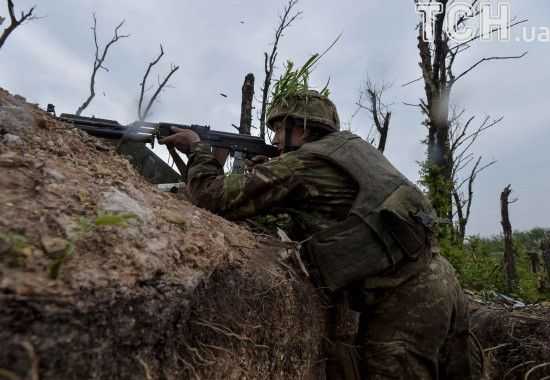 Бойовики поранили двох українських військових й мешканку Мар'їнки. Доба в зоні АТО