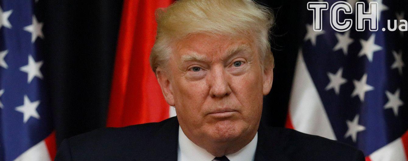 """""""Давайте будемо єдиним цілим!"""". Трамп засудив зіткнення у Вірджинії"""