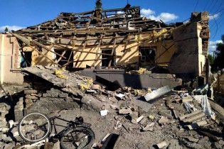 Авдеевку обстреляли реактивными снарядами: в тяжелом состоянии мирный житель