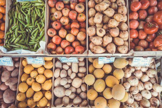 В Україні дорожчають продукти через знецінення гривні