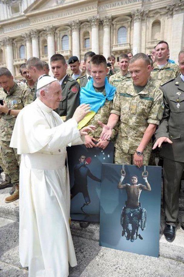 Папа Римский пообщался с украинскими военными